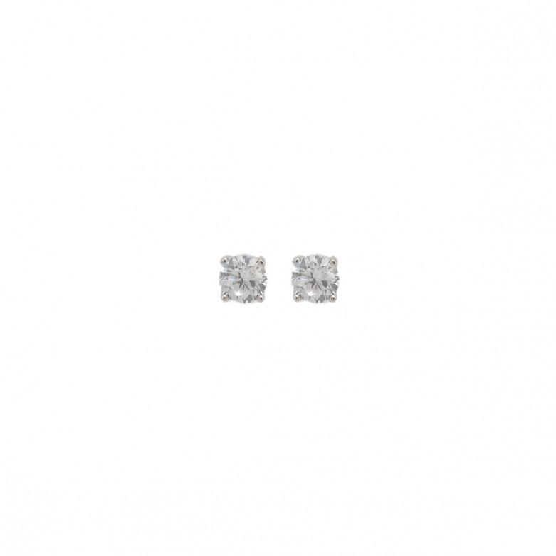 Σκουλαρίκια στικ μονόπετρα με πέτρες ζιργκόν 5mm από επιπλατιναμένο ασήμι 925°