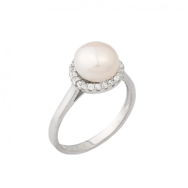 Sterling silver 925°. Pearl ring with CZ halo