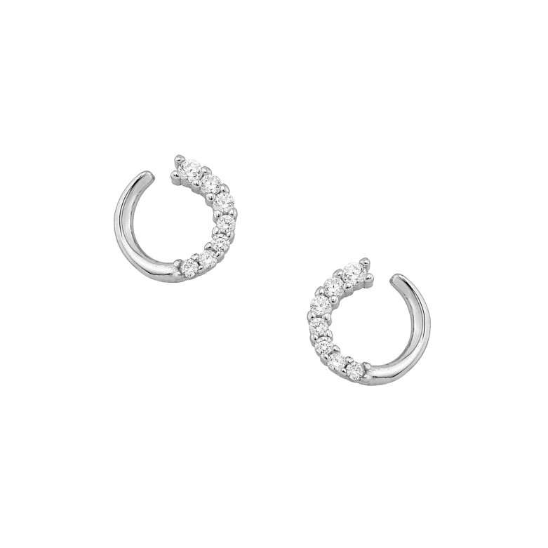 Σκουλαρίκια στικ με πέτρες ζιργκόν από επιπλατινωμένο ασήμι 925°